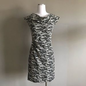 Ann Taylor Sleeveless Shift Dress Size 0